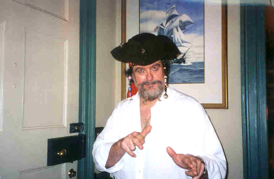 Robert Jordan pirate costume