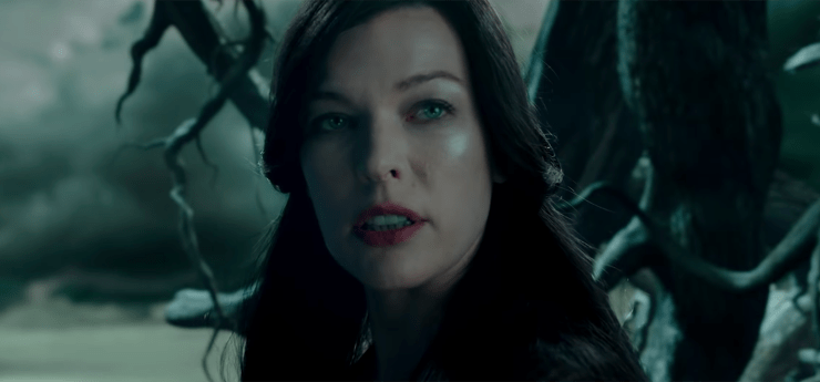 Nimue (Milla Jovovitch) in Hellboy (2019)