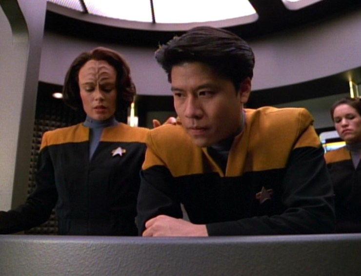 B'Elanna Torres (Roxann Dawson) and Harry Kim (Garrett Wang) in Star Trek Voyager