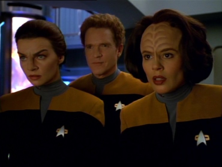 Seska (Martha Hackett) Joseph Carey (Josh Cark) and B'Elanna Torres (Roxann Dawson) in Star Trek: Voyager
