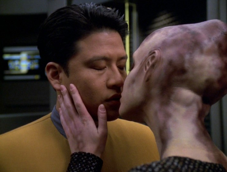 """Star Trek: Voyager """"Ashes to Ashes"""""""