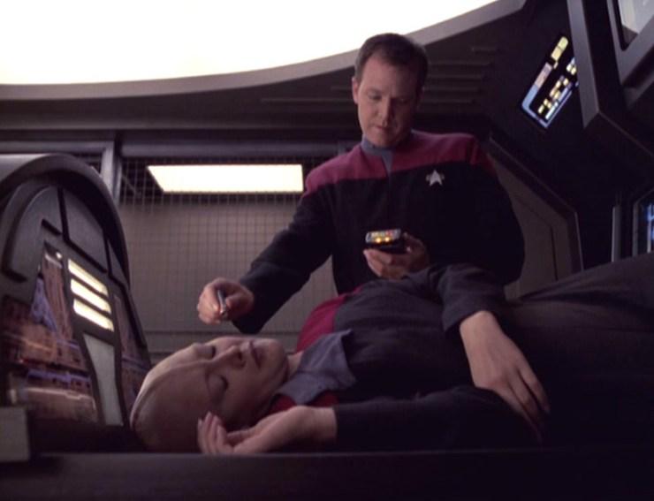 """Star Trek: Voyager """"Live Fast and Prosper"""""""