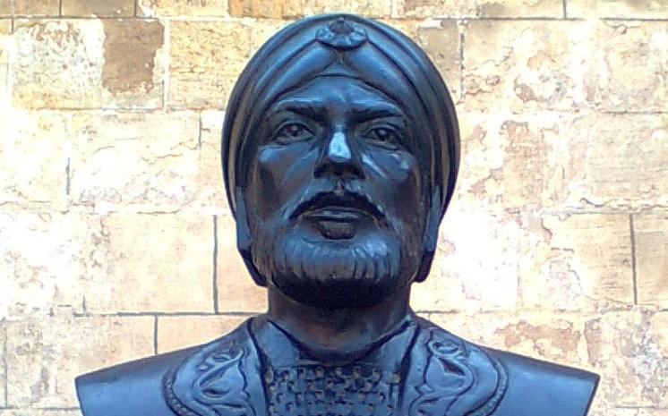من هو القائد المسلم الذي تصدى للمغول والتتار واستطاع هزيمتهم