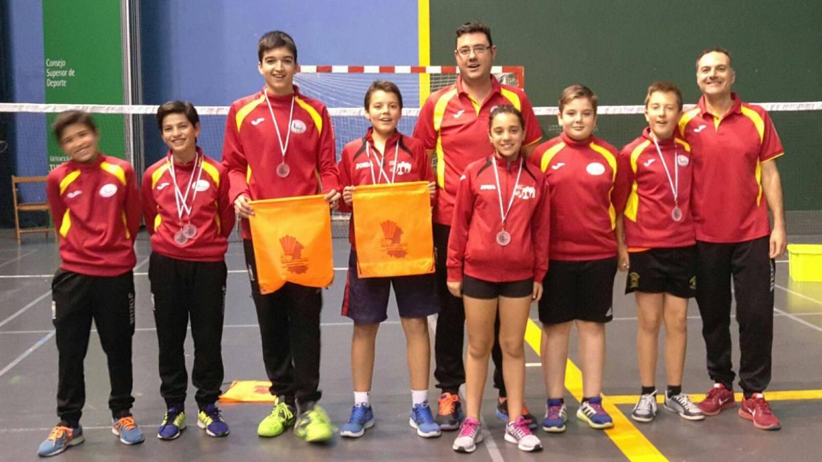 El Club de Bádminton de Tordesillas reina en Castilla y León