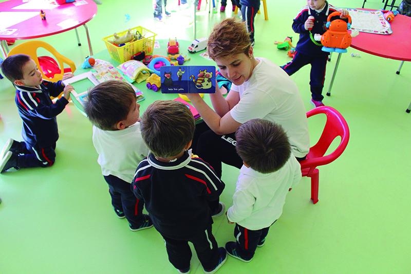 Escuela   Infantil   Divina   Providencia: flexibilidad horaria,   bilingüismo, estimulación temprana