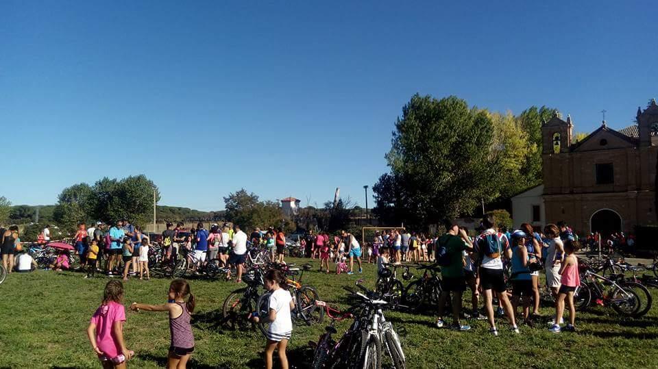 """600 personaS participan en el """"Día de la Bici y Patinada"""""""