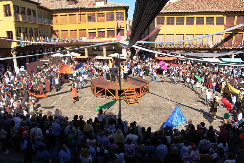 Tordesillas se sumerge en el medievo gracias a la XXIV edición de su mercado