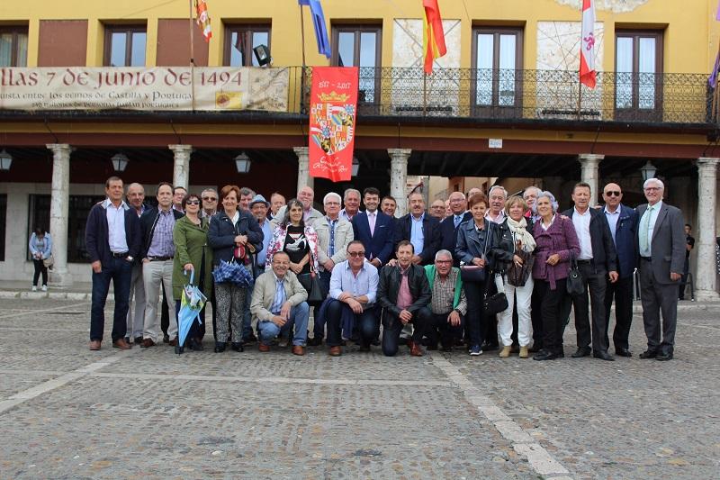 Medio centenar de antiguos alumnos celebran el 50º Aniversario de la implantación del Instituto en Tordesillas