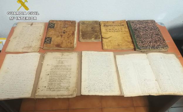 La Guardia Civil recupera una ordenanza municipal de 1763 a subasta por internet por un librero de Madrid