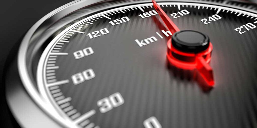 Investigado un menor sospechoso de conducir sin permiso a 219 kilómetros por hora