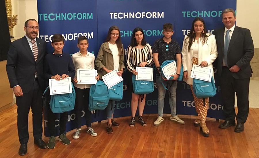 Los alumnos más brillantes de Tordesillas, galardonados por su dedicación