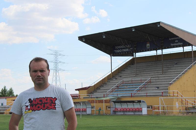 El Atlético Tordesillas instalará asientos en su grada principal