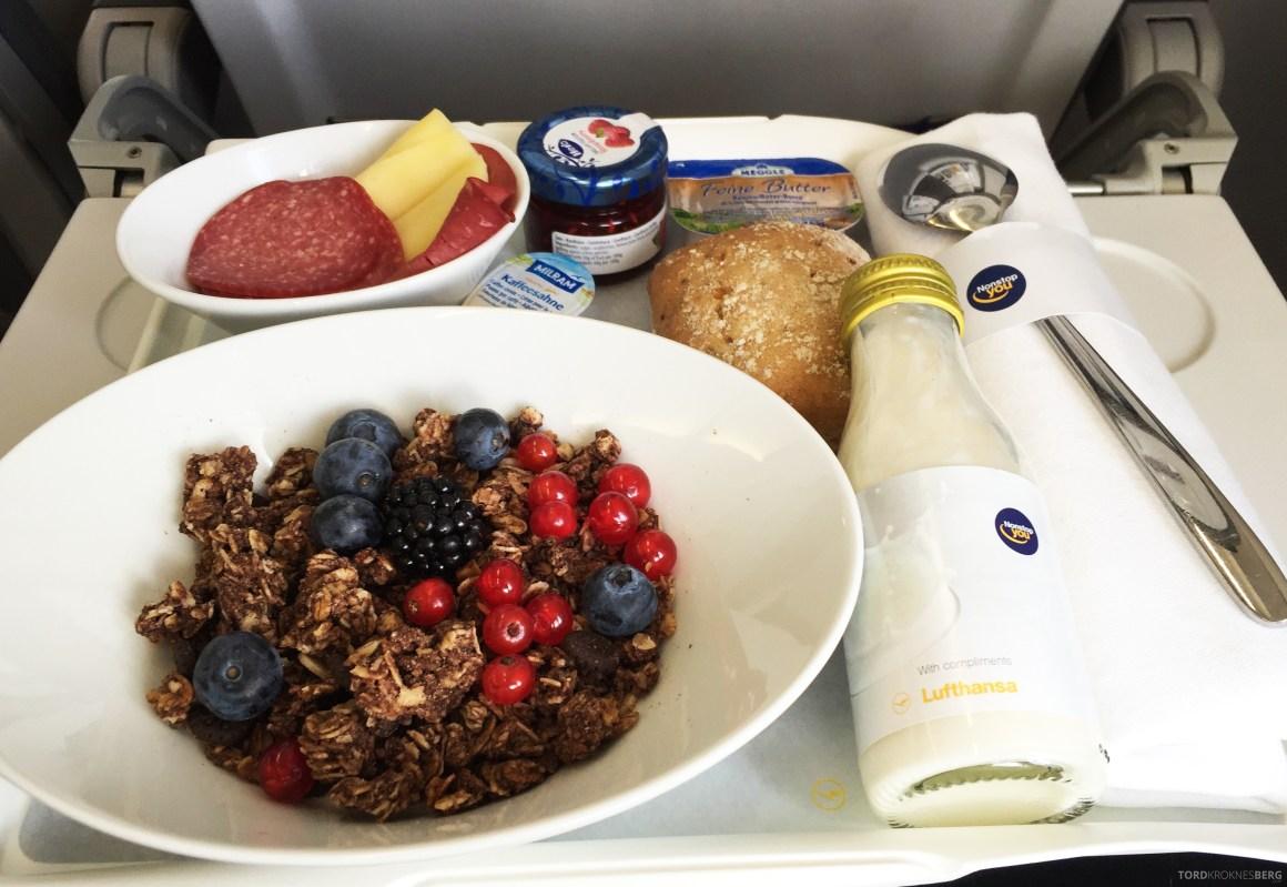 Lufthansa Business Class Frankfurt Oslo frokost mat