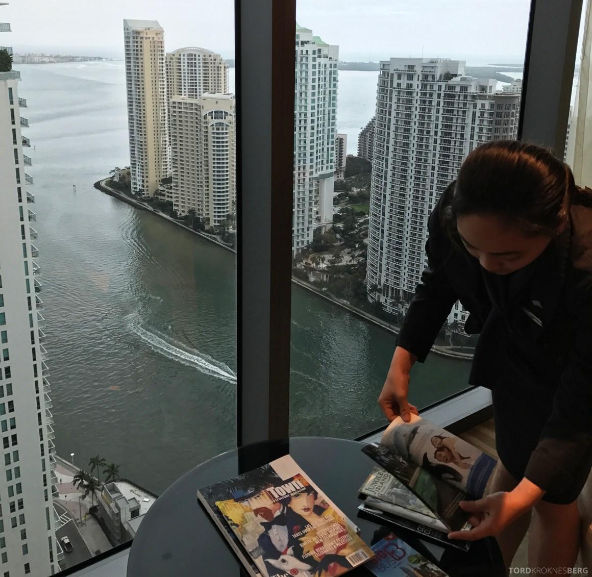 JW Marriott Marquis Miami Executive Lounge servering