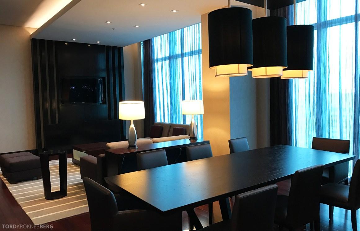 Vice Presidential Suite JW Marriott Marquis Miami spisebord