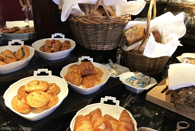 The Ritz-Carlton Berlin Club Lounge frokost brød