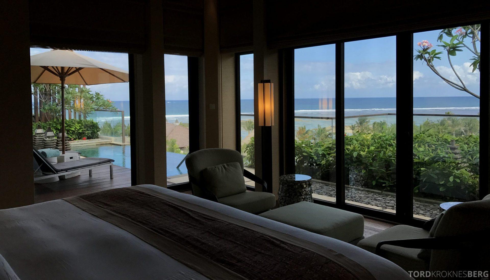 Ritz-Carlton Bali Suites sky villa soverom