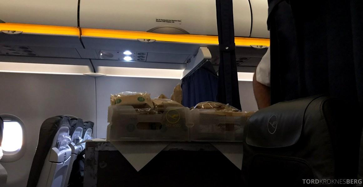 Lufthansa Business Class Oslo Rome servering økonomiklasse