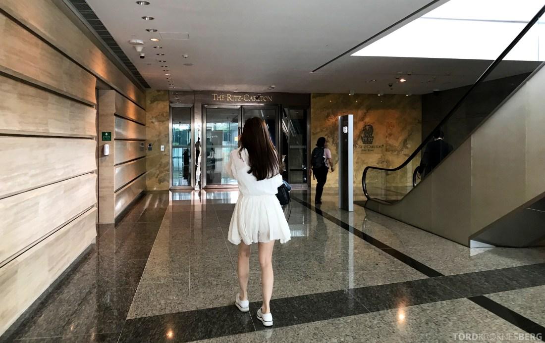 Ritz-Carlton Hong Kong Hotel inngang fra shoppingsenter