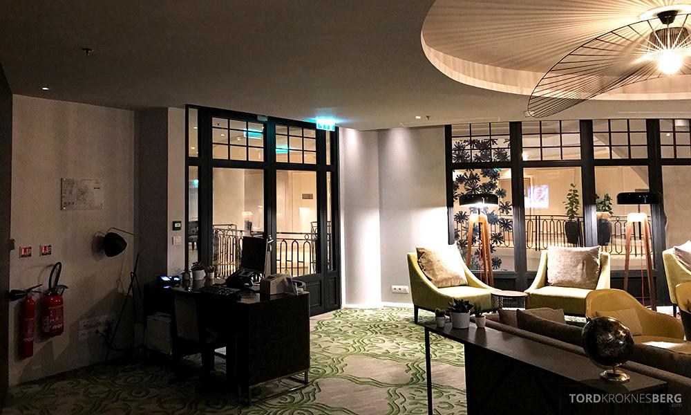 Renaissance La Defense Hotel Paris Club Lounge resepsjon