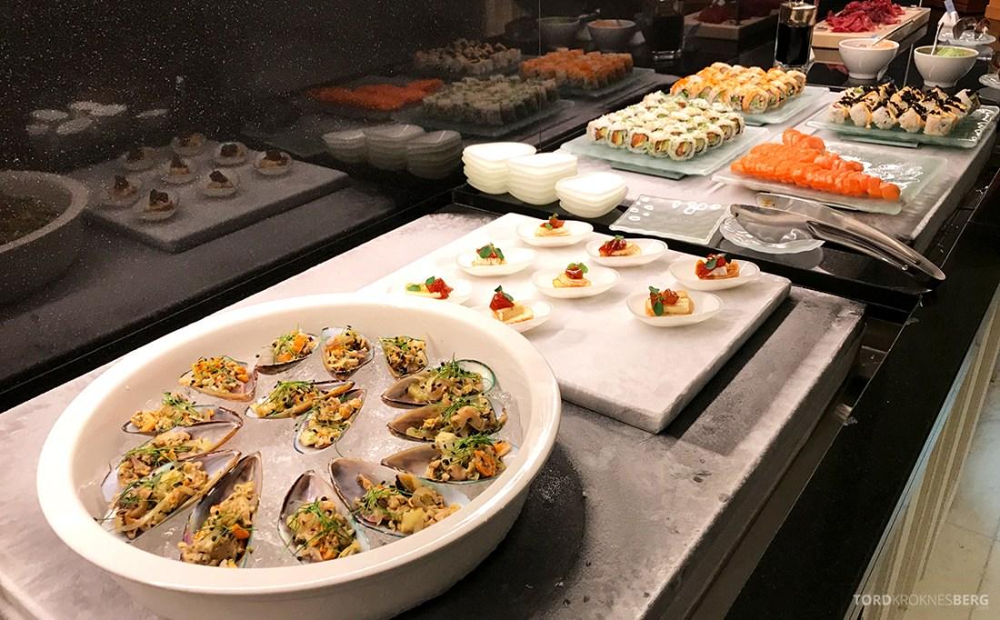 Ritz-Carlton Doha Club Lounge hors d'oeuvre sushi