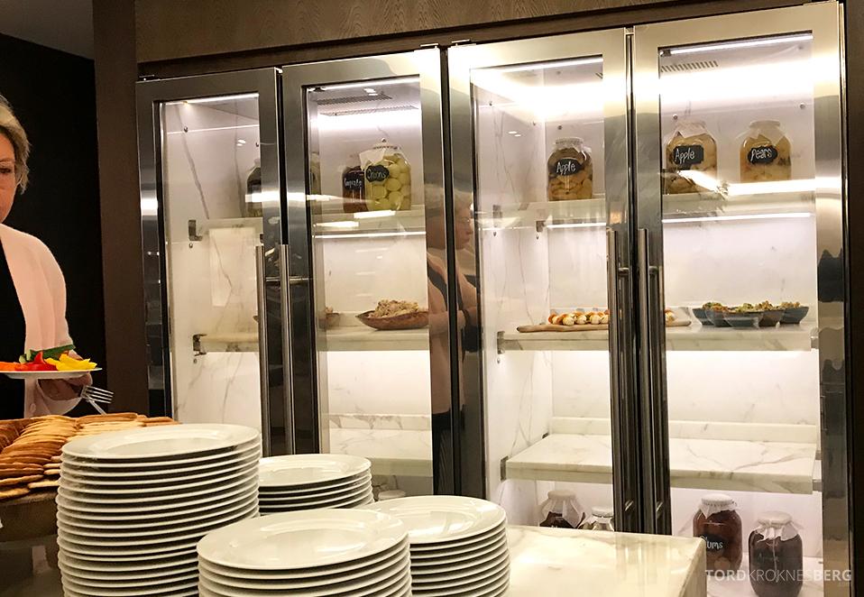 JW Marriott Hotel Grosvenor House London Executive Lounge hors d'oeuvre kjøleskap