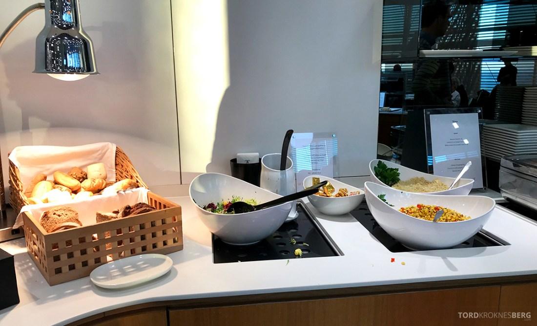 Lufthansa Senator Lounge London Heathrow salater
