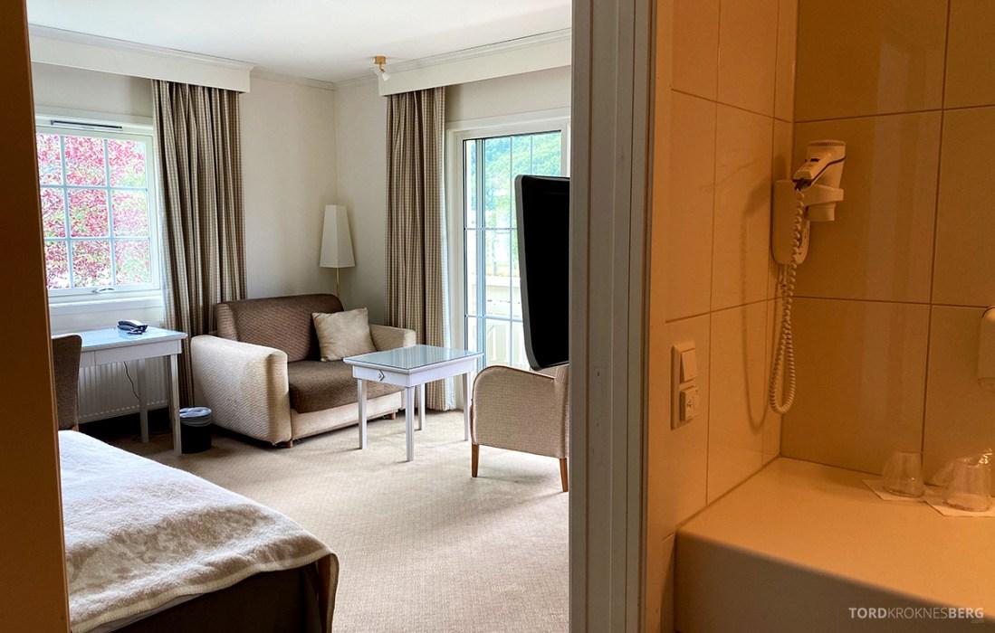 Hotel Loenfjord Stryn bad værelse
