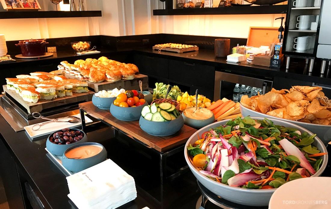 Ritz-Carlton Hotel New York Central Park Club Lounge lunch