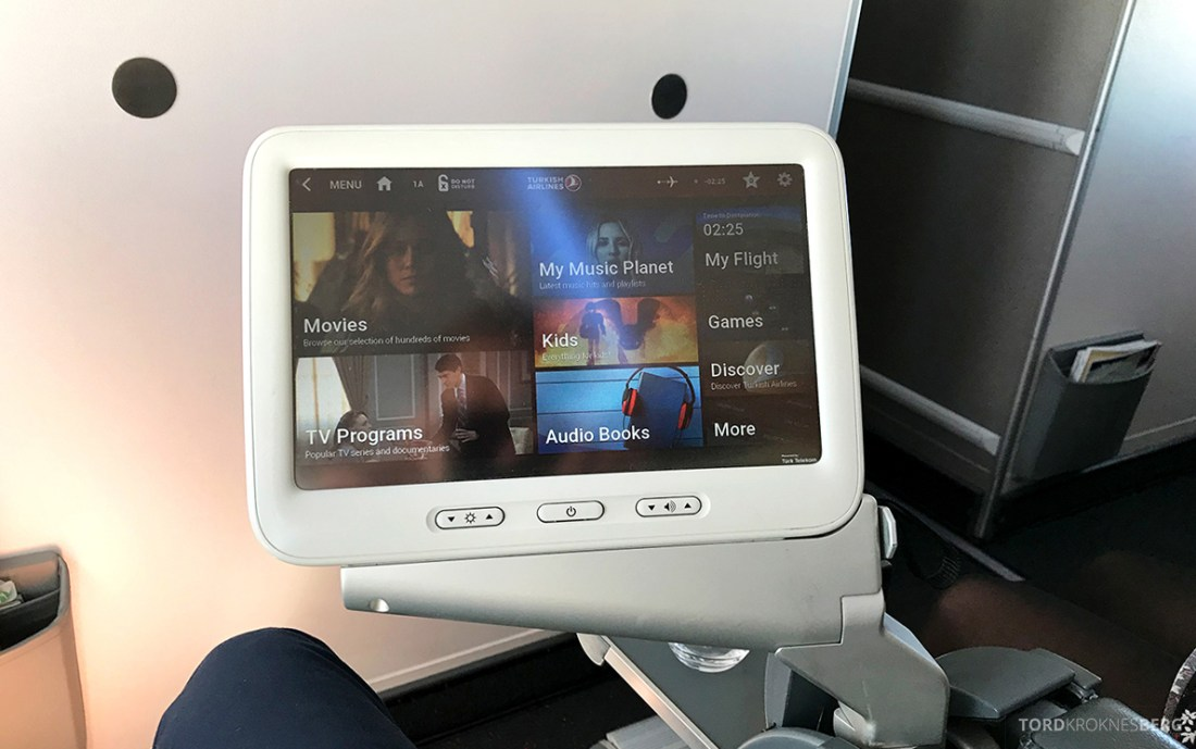 Turkish Airlines Economy Business Class Baku Istanbul Oslo underholdning