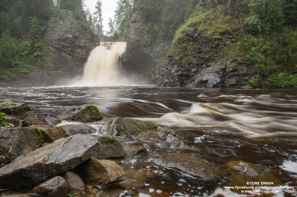 Bilde av fossefall (Høgfallet i Stokkelva)