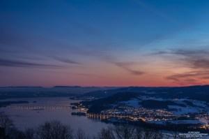 Utsikt mot Mjøsbrua og Biri, fra Kløvstadhøgda på Brøttum, Ringsaker