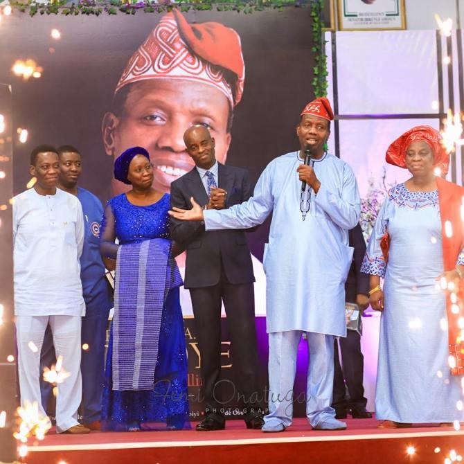 adeboye 1 - RCCG General Overseer, Pastor Adeboye and his Children Look Awesome in New Photo