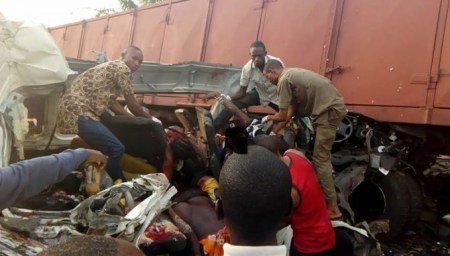 ore1 Many Killed As Truck Crushed Commercial Bus Along Lagos-benin Highway (pics)