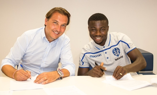 eagles moses simon levate 1 - Moses, Unveiled In Spain After Signing For Levante Super Eagles Star (Photos)