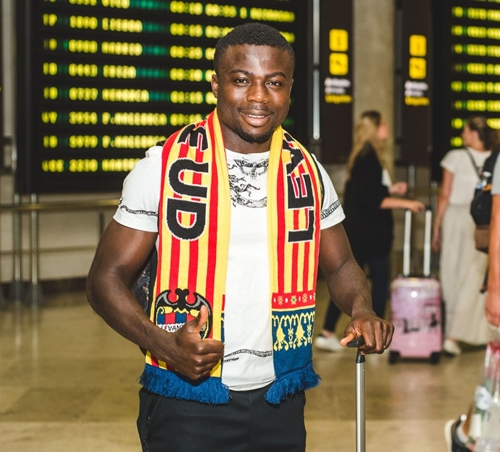 eagles moses simon levate 4 - Moses, Unveiled In Spain After Signing For Levante Super Eagles Star (Photos)