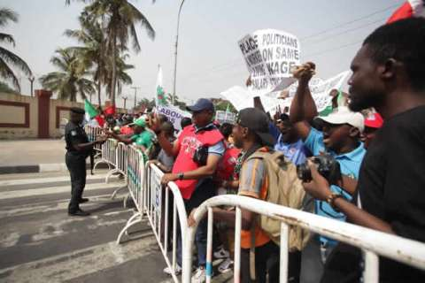NLC Protests In Lagos Over New Minimum Wage (Photos) 5