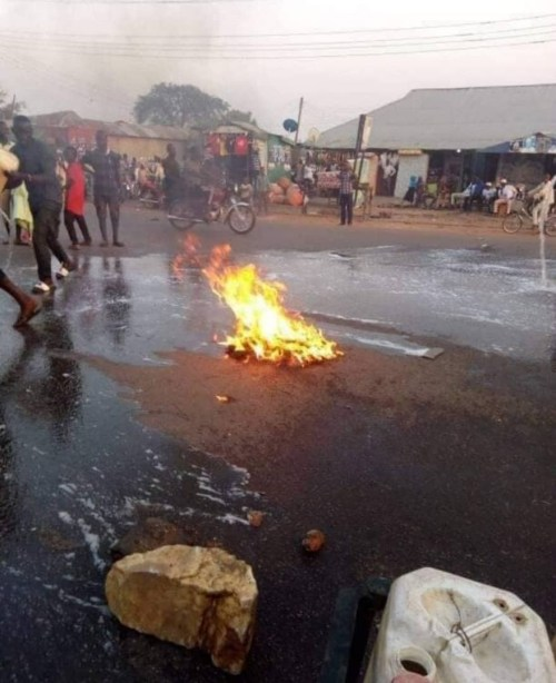 Angry Kaduna Residents Wash Streets With Soap Shortly After Governor El-Rufai's Visit