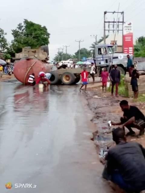 Diesel tanker fell in Imo
