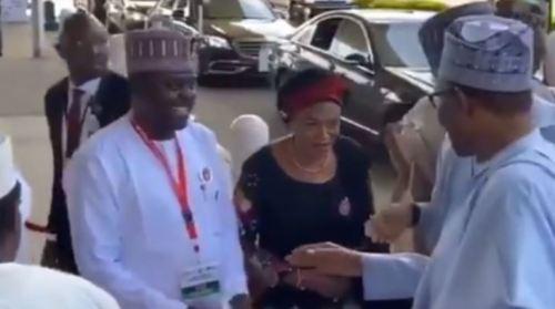 Buhari refusing to shake hands with Remi Tinubu