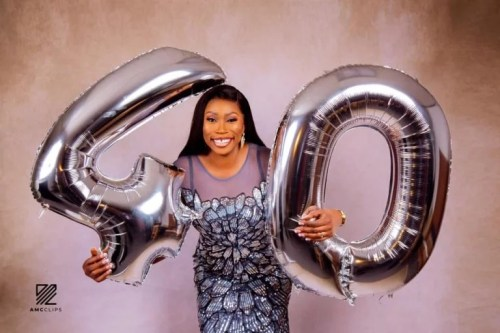 debi1 - Fabulous! 40-year-old Nigerian Lady Will get Engaged To Oyinbo Lover On Her Birthday (Pictures)