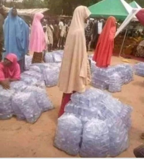 bauchifirstlady2 - Bauchi State First Girl Distributes Packs Of Sachet Water To Younger Girls (Pictures)