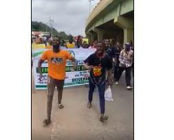 Ogun students protesting against fuel hike