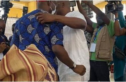 """Gov  """"You Are My Leader"""" – Fayose Tells Makinde As They Squash Beef At PDP South-West Zonal Congress Fayose 20and 20makinde"""