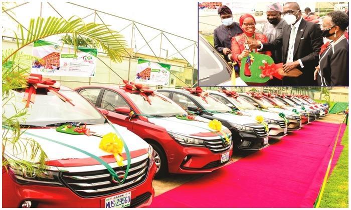 Lagos State Governor, Babajide Sanwo-Olu gifts teachers cars