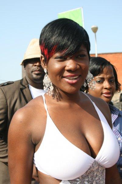 Mercy Johnson Returns to Movie Set, Flaunts Hot Boobs on Set (Photos)