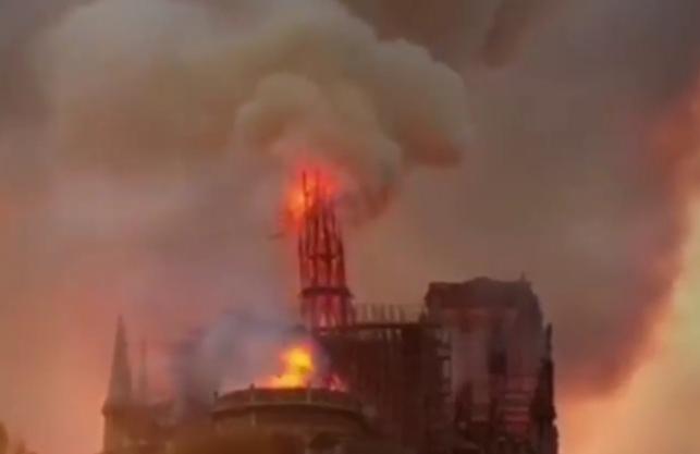 Notre-Dame: sindaco di Torino rivive la stessa angoscia del rogo della Sindone