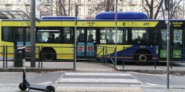 Giovane fatta scendere dal bus a Torino perchè Cinese