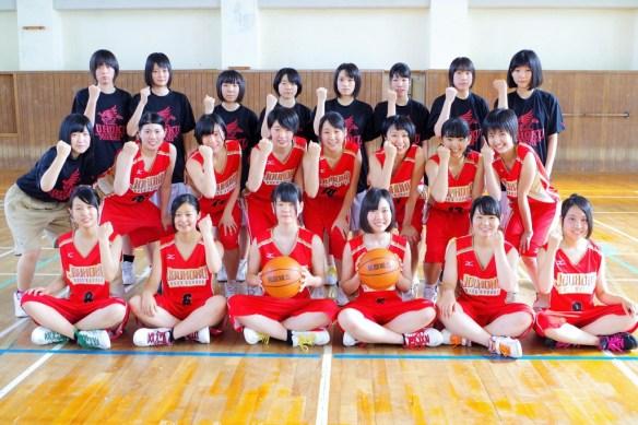 中段 右 女子バスケットボール部