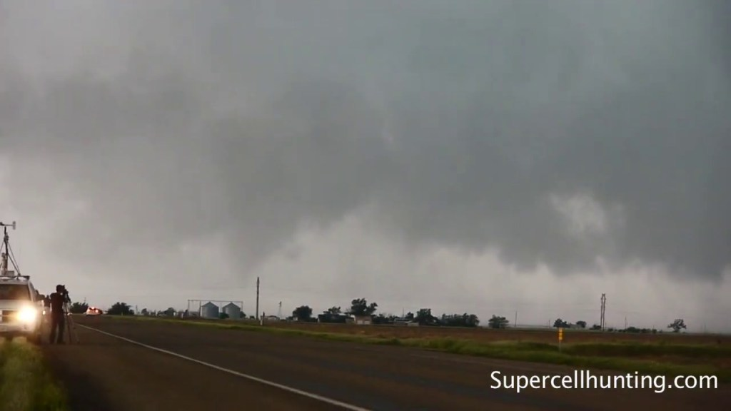 May 18, 2010 | Tornado Near Dumas, TX